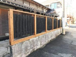 完成した木塀